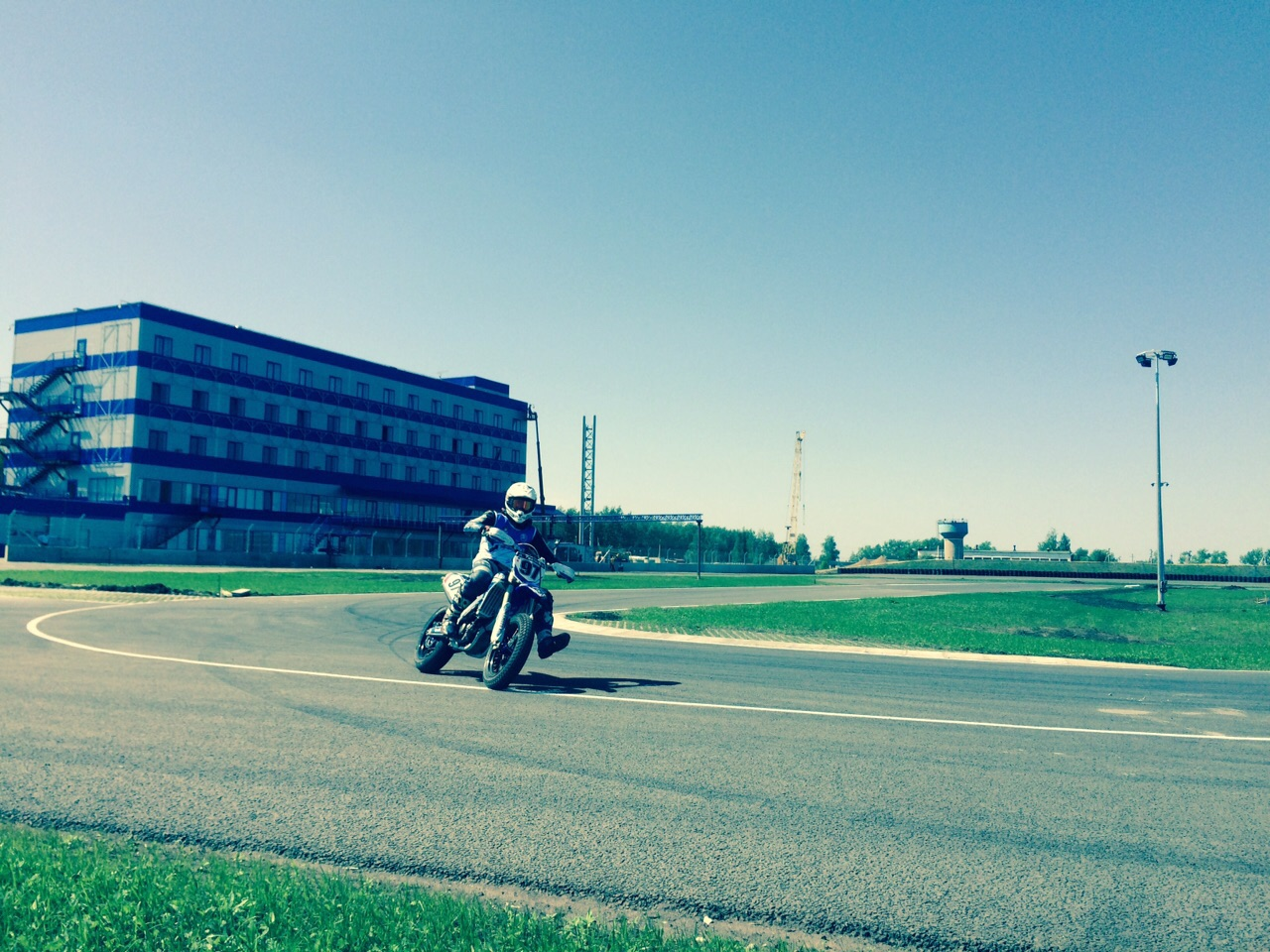 Первый мотоцикл на треке в Рязани, Atron
